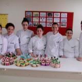 Καθηγητές και σπουδαστές της σχολής παρασκεύασαν γλυκά για φιλανθρωπικό bazaar