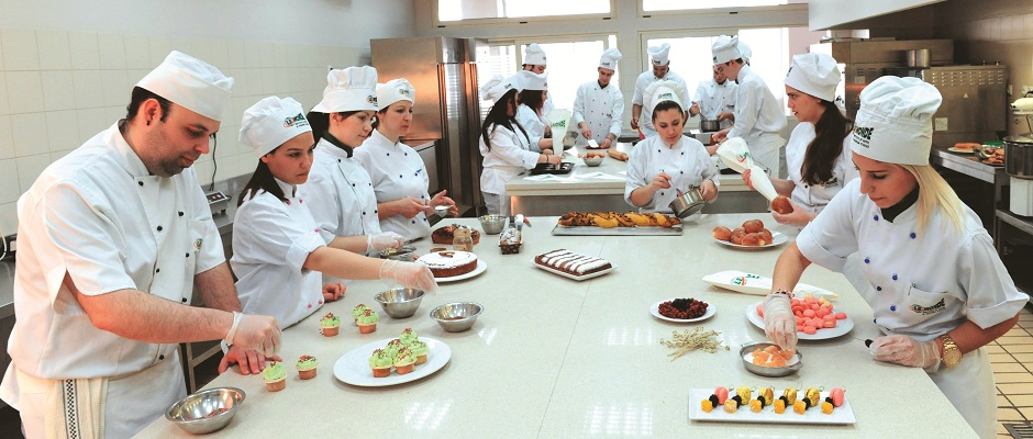 Pastry Chef – Working Conditions of a Pastry Chef