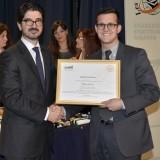 Ο κ. Νίκος Λούλης (δεξιά), πρόεδρος της εταιρείας Μύλοι Λούλη παραλαμβάνει food quality award για την άριστη ποιότητα των προϊόντων της εταιρείας